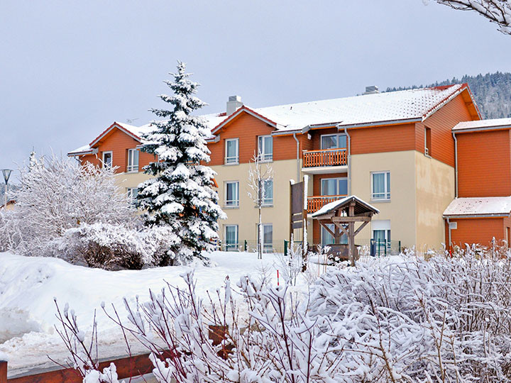 village vacances montagne location metabief hiver